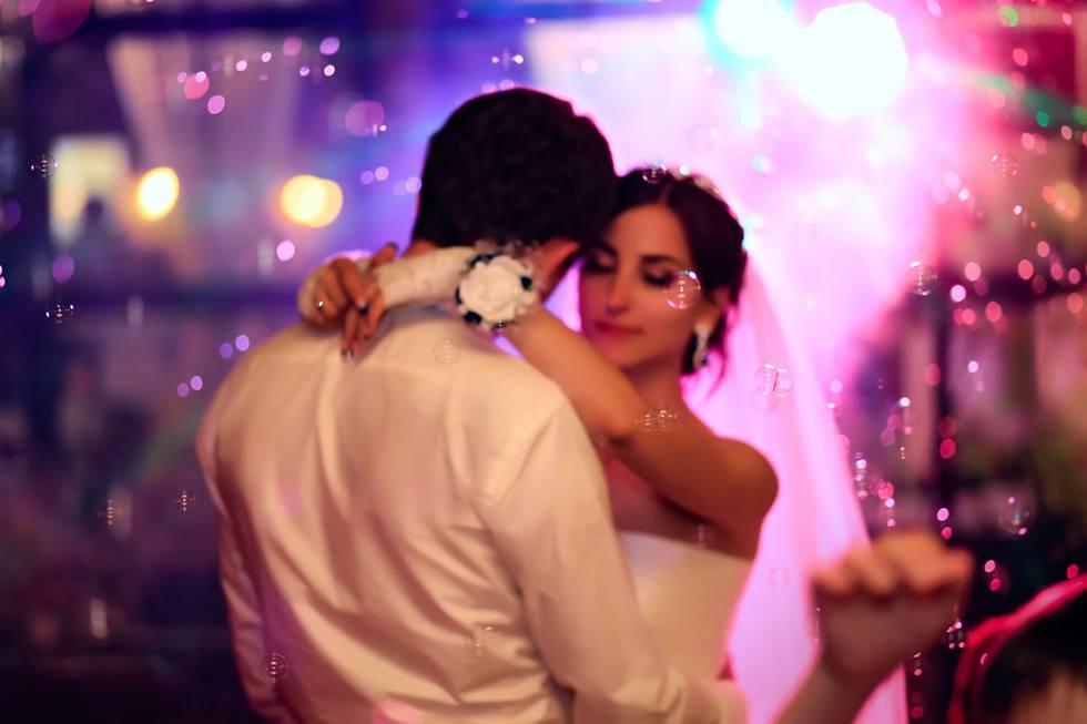 Bruiloften worden persoonlijker met bruiloft DJ