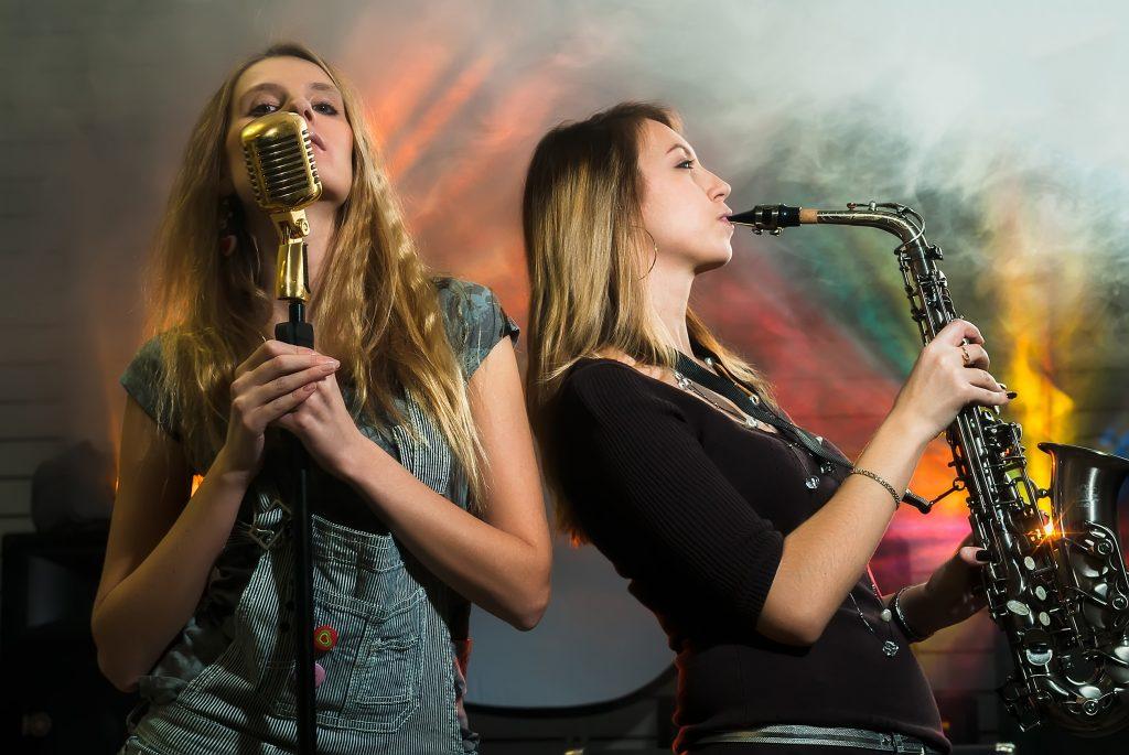 Saxofonist DJ huren